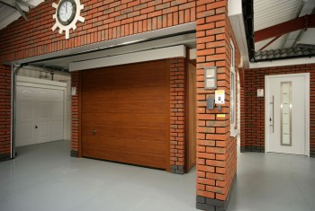 Wood effect garage door