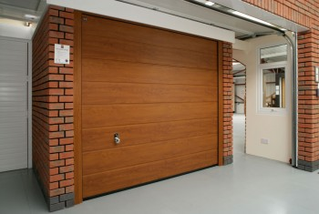Single garage door